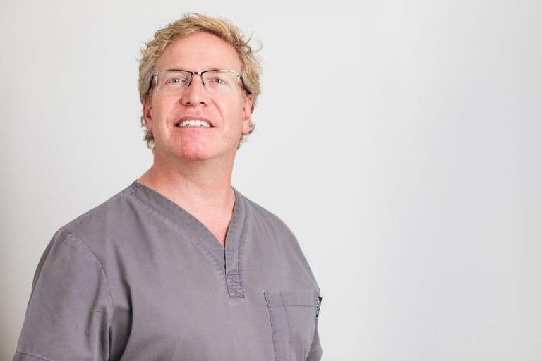 Dr. Simon Martin